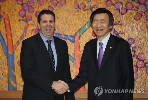 韩外长设宴欢送美大使 赞其成就不可磨灭