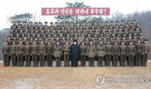 金正恩今年首次视察部队