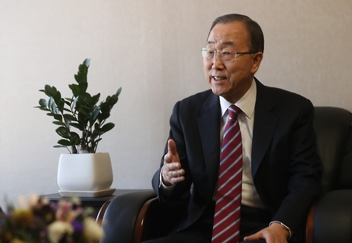潘基文接受韩联社专访。(韩联社)