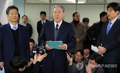 韩亲信门主角崔顺实律师:独检组逼供侵害人权