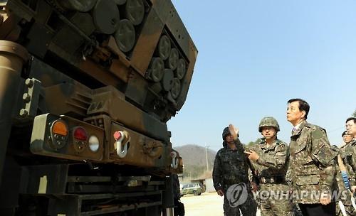 韩防长视察首都地区反导部队警惕朝鲜核导
