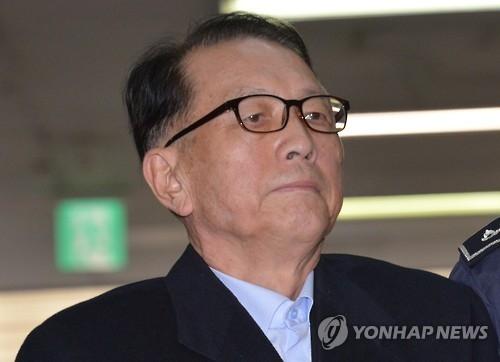 韩独检组传唤前高官调查文艺界黑名单案