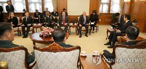 韩代总统接见美防长共商朝核问题