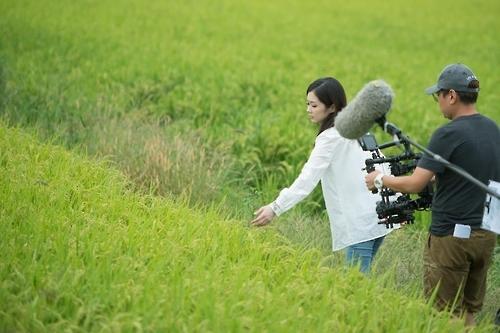 韩星张娜拉主持韩中合拍纪录片《气候的反击》