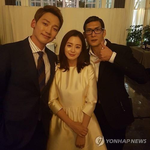 资料图片:左起依次为RAIN、金泰希和god成员朴俊亨。(韩联社/朴俊亨Instagram个人账号截图)