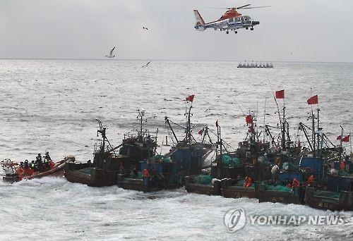 资料图片:中国渔船(韩联社)