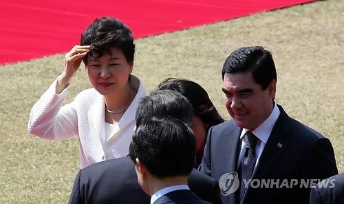 韩代总统与土库曼总统交换信函共贺建交25年