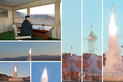 """资料图片:图为朝鲜《劳动新闻》13日公开的中程弹道导弹""""北极星""""第二型发射现场图片。图片仅限韩国国内使用,严禁转载复制。(韩联社/《劳动新闻》)"""