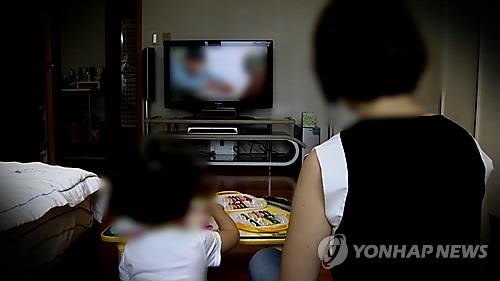 调查:七成韩国人在家最常用的媒体终端为电视