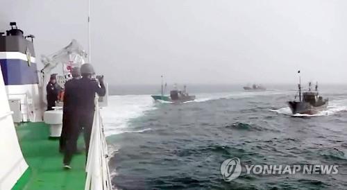 韩海警今年首次使用武器打击中国暴力抗法渔船