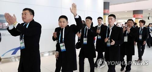 亚冬会朝鲜代表团抵达札幌 回避金正男相关提问