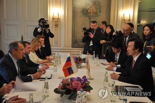 俄外长:美战略武器参加韩美联合军演对局势无益