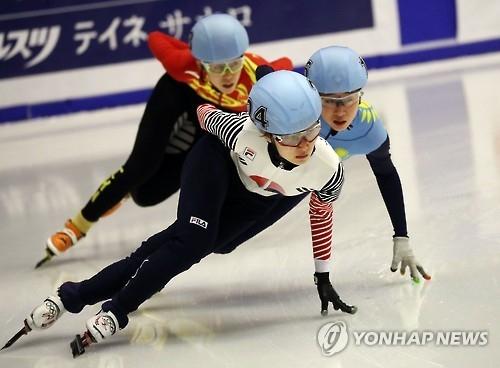 韩名将崔敏静获亚冬会女子短道速滑1500米金牌