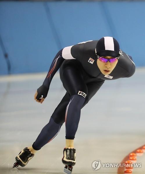 李承勋亚冬会男子10000米速滑夺金 登顶双冠王