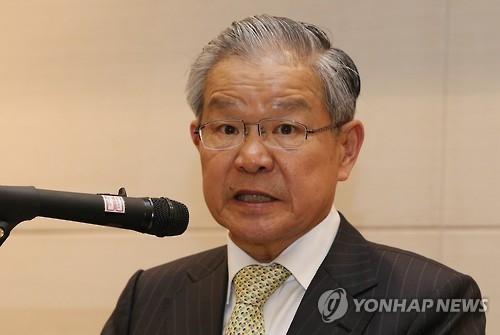 资料图片:韩国经济研究院长权泰信成为全经联许主席的副手,争取在退联如山倒的困境中力挽狂澜。(韩联社)