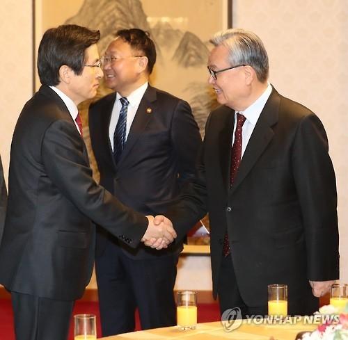 韩代总统:将关注中国反制萨德措施 加强与华沟通