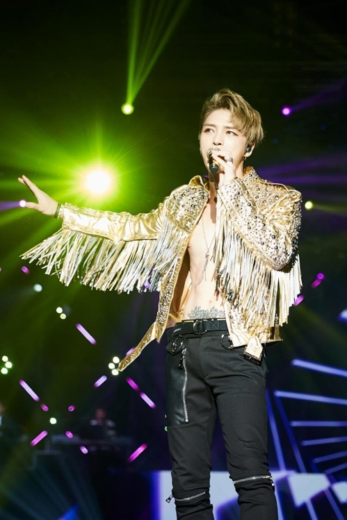 3月18日,在曼谷华马克室内体育馆,JYJ成员金在中举行演唱会。图为演唱会现场。(韩联社/C-JeS娱乐提供)