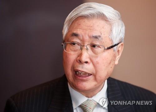 中国前副外长王英凡在韩出席新闻媒体恳谈会