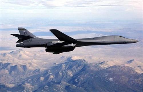 美国B-1B兰斯轰炸机 (韩联社/美国空军提供)