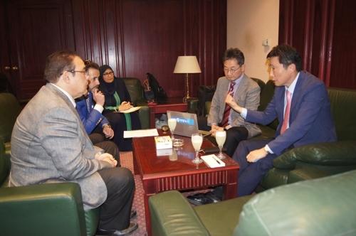 韩联社加强与中东通讯社交流合作