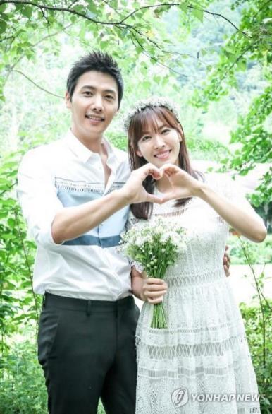 韩演员金素妍李尚禹6月大婚