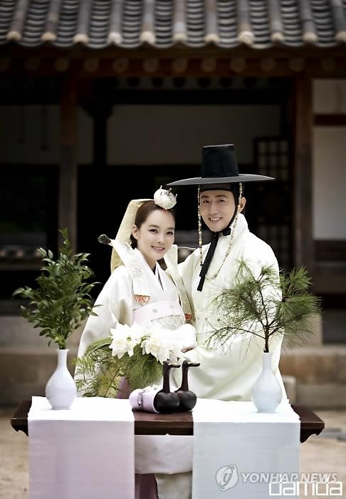 资料图片:蔡琳(左)和高梓淇(韩联社/SIDUS HQ提供)