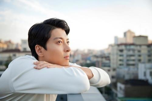 李东健(韩联社/FNC娱乐提供)