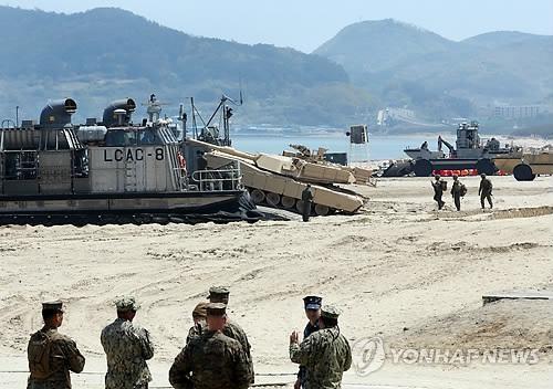 韩美两军举行最大规模后勤演习