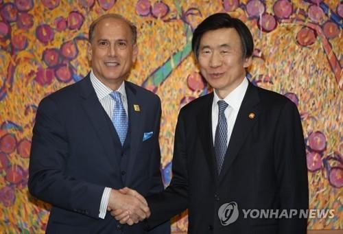 访韩美总统亲信:断朝财路最重要