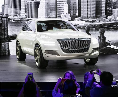 2017纽约车展上亮相的GV80(韩联社)