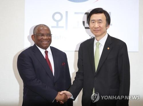 韩安外长会晤讨论半岛局势