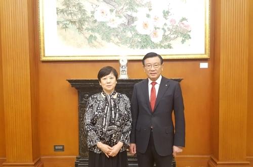 韩中民间友好协会会长在京聚首