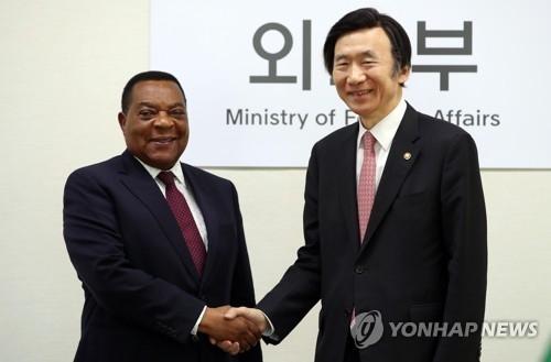 韩坦外长讨论联手抗朝核