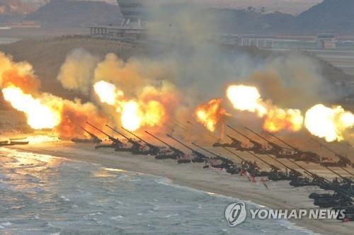 朝军迎建军节举行最大规模火力演习