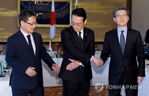 韩美日研究禁止朝鲜渔权交易应对朝新挑衅