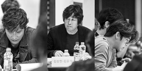 演员李炳宪(左起)、金允石、高洙