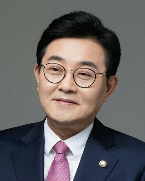 政务首秘田炳宪