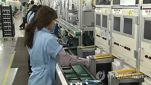 统计:韩超两成就业者每周工作逾54小时 - 1