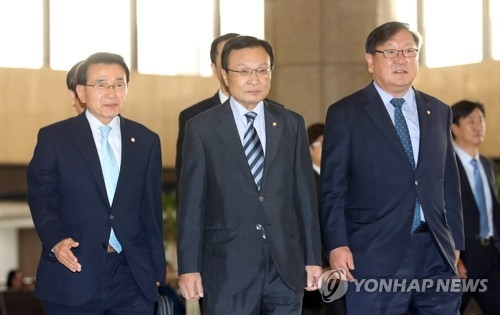 韩总统特使李海瓒赴华:将致力于韩中关系回暖