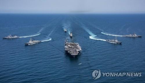 """资料图片:美国""""卡尔文森""""号核航母(韩联社)"""