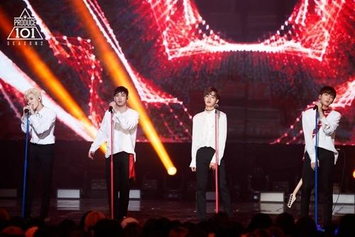 《Produce101》练习生舞台现场(Mnet官方脸谱)