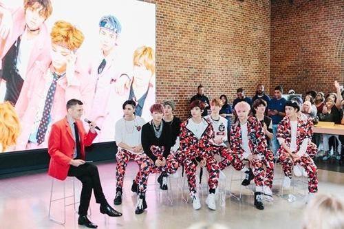 """6月25日(美国当地时间),男团NCT 127出席美国苹果公司旗下项目""""Today at Apple""""。(韩联社/SM娱乐提供)"""
