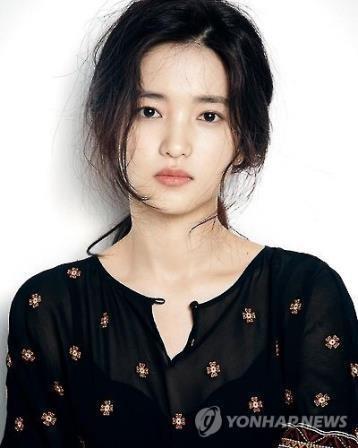 资料图片:演员金泰梨(韩联社)