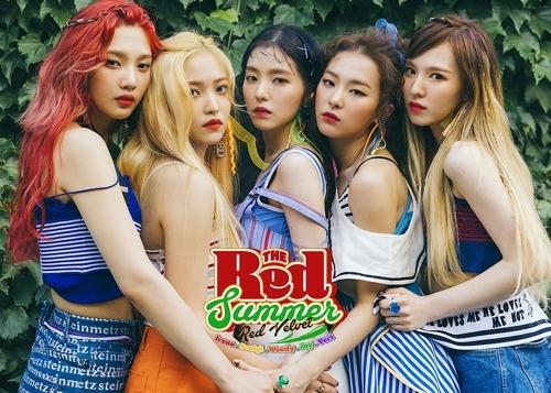 Red Velvet新专辑《红色夏天》专辑封面(韩联社/SM娱乐提供)