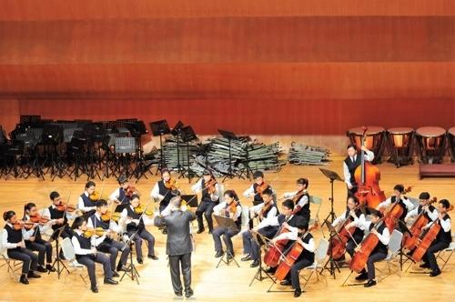 台湾林口国中弦乐团(韩联社/首尔市政府提供)