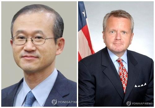 资料图片:韩国外交部次官林圣男(左)和美国常务副国务卿沙利文(右图由美国商务部提供)