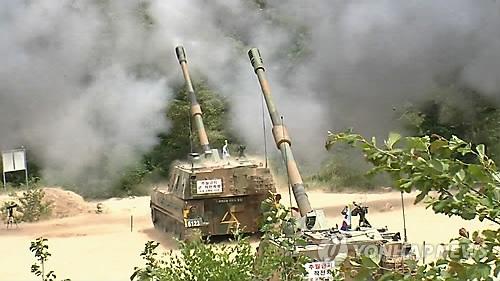 资料图片:韩军K-9自行火炮(韩联社)