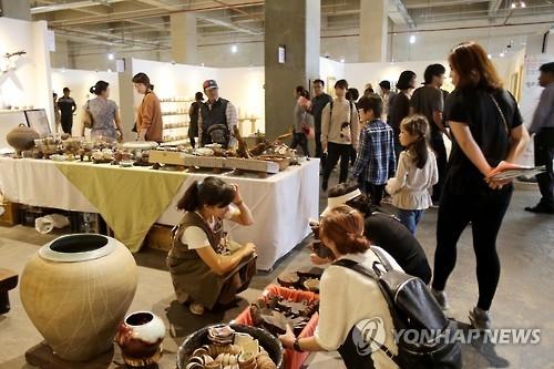 资料图片:第9届清州国际工艺双年展盛况(韩联社)