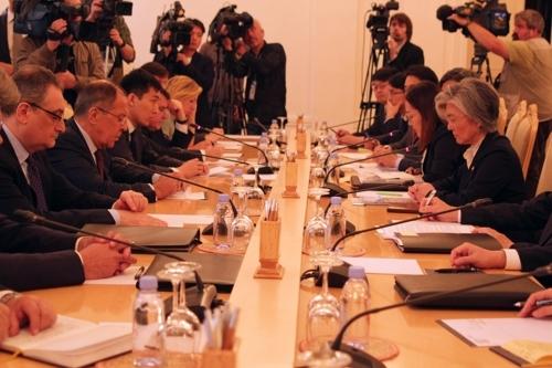 8月25日,在俄罗斯外交部,韩俄两国举行外长会谈。(韩联社)