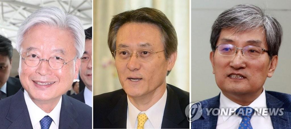 从左依次为驻美国大使被提名人赵润济、驻日本大使被提名人李洙勋、驻华大使被提名人卢英敏。(韩联社)